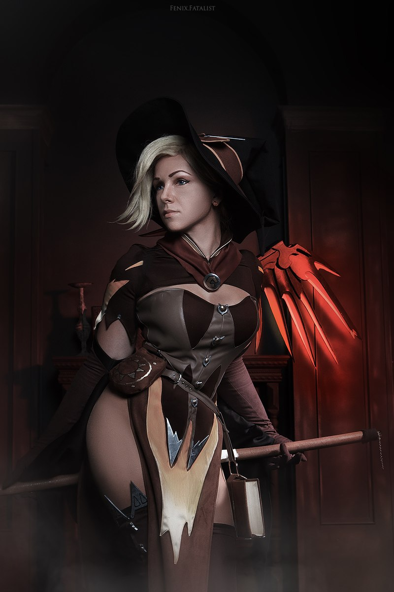 halloween_mercy_by_fenixfatalist-dapjkjk